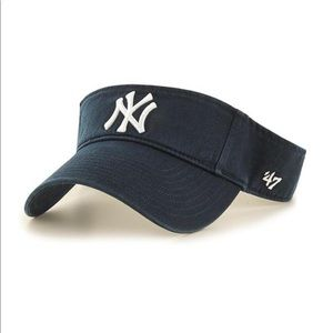 Urban Outfitters New York Yankees Clean Up Visor